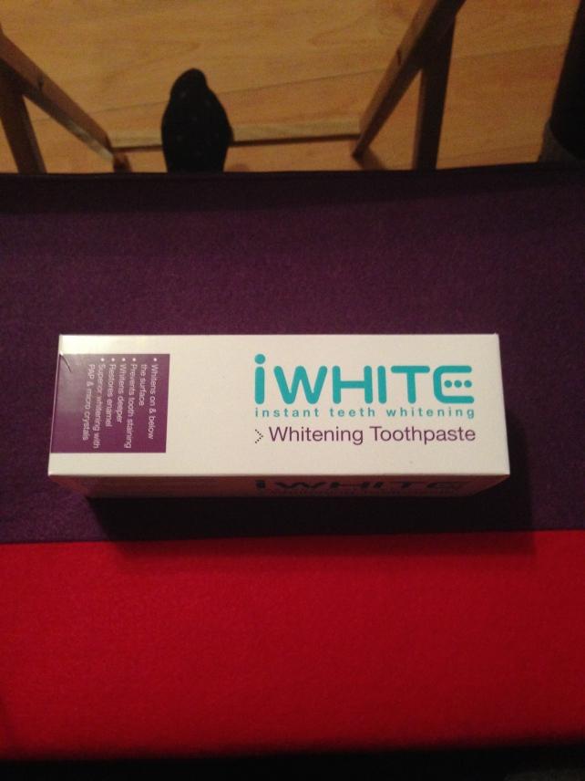 iwhite-whitening-toothpaste
